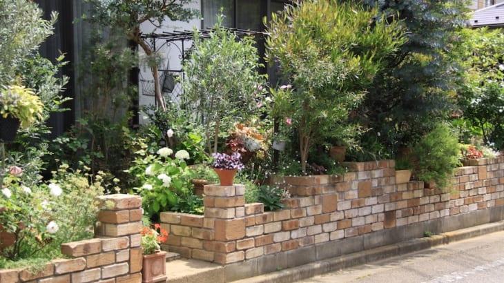 狭い庭を立体的にする