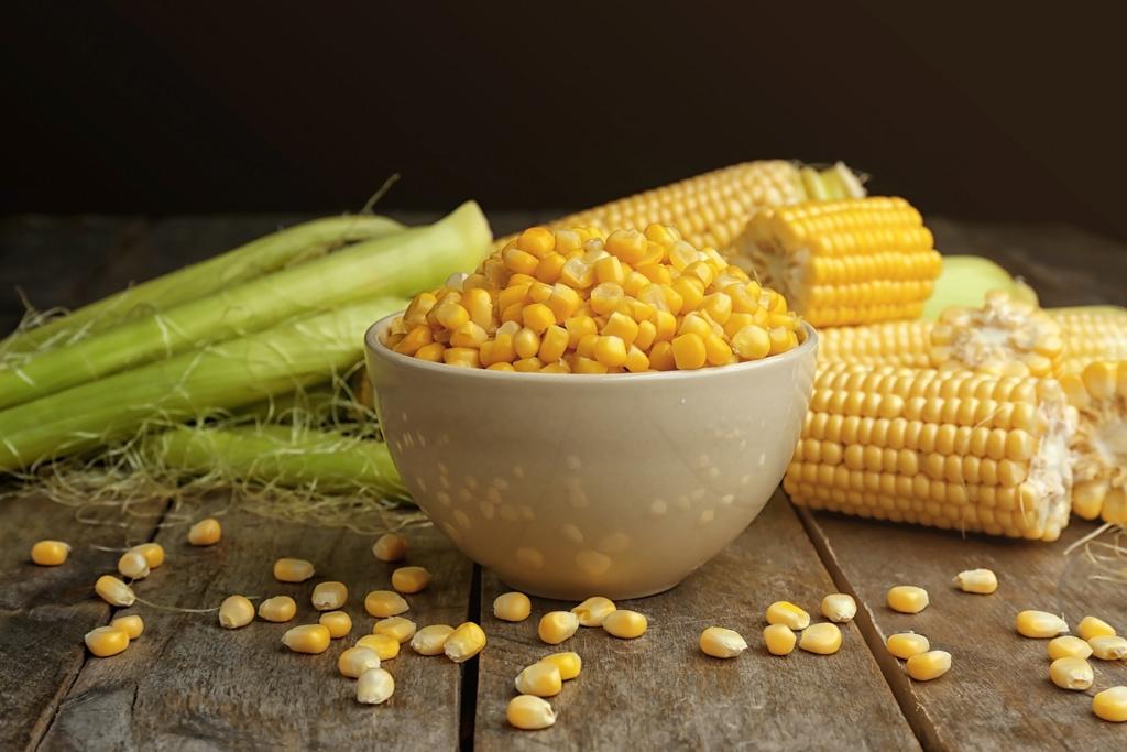 「トッピングに大活躍」 鮮やかな黄色い粒のトウモロコシはサラダやピザ、炊き込みご飯、かき揚げなど、活躍の場が多い