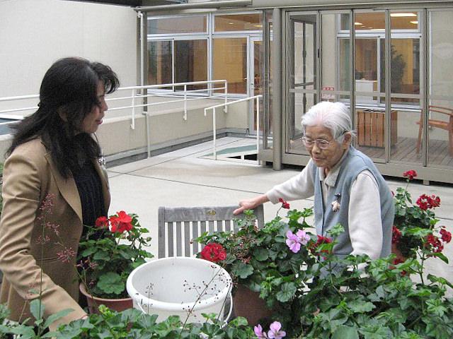 園芸療法(フィトセラピー) 植物を育てる作業療法を中心に、さまざまな有効な療法が併用されます。