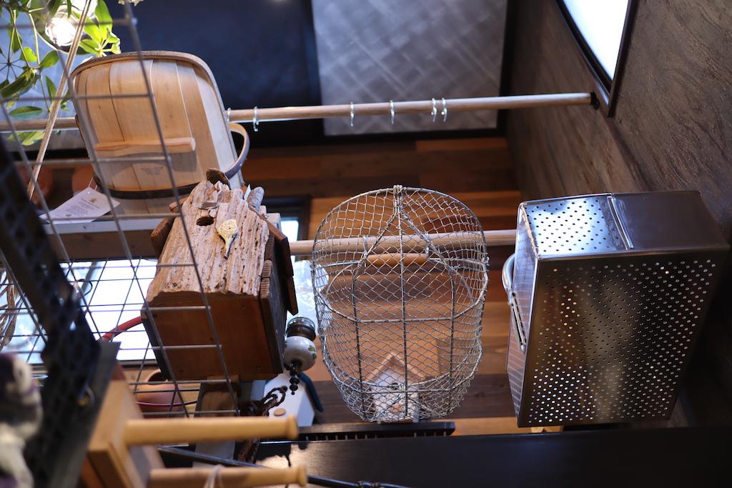 木製のバスケットはロイヤル・サセックス社のガーデントラッグ(園芸ショップ「toolbox世田谷」)