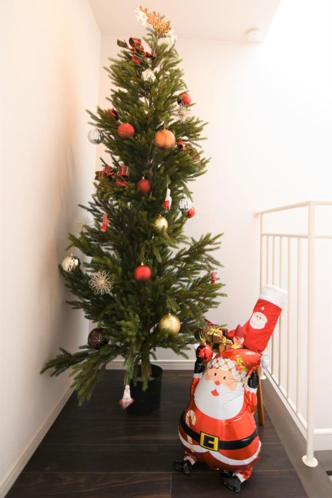 クリスマスツリーをオフィスに