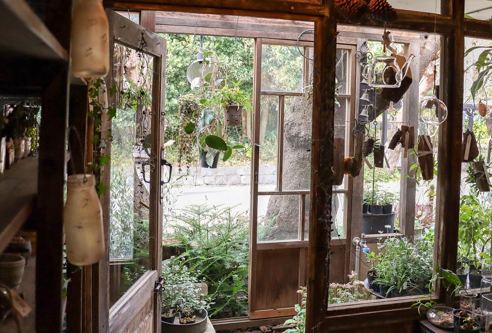 古民家風の空間とグリーン