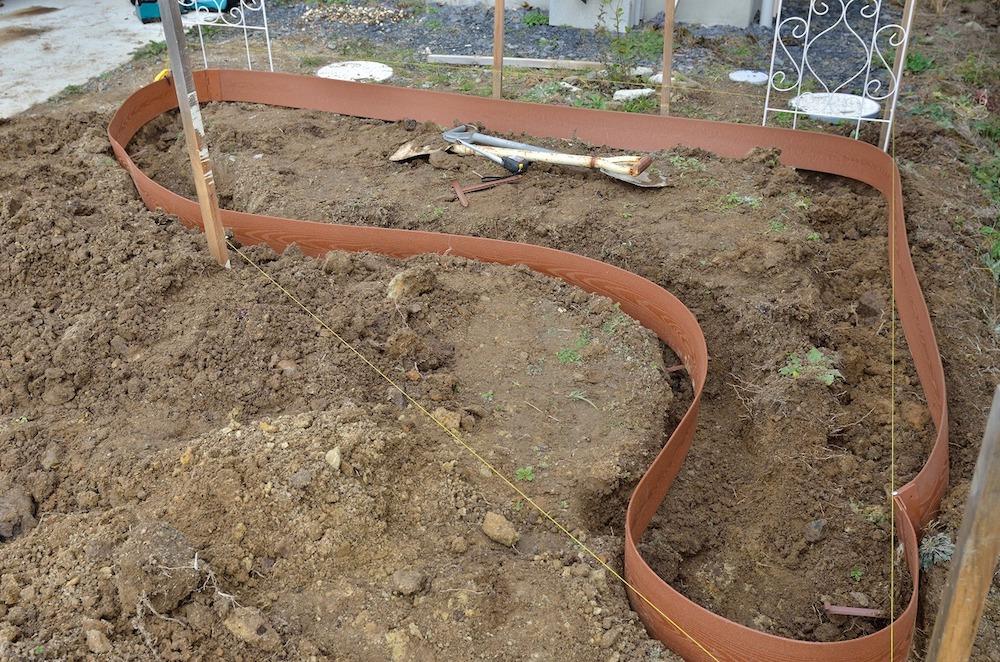 初心者さん必見!バラの花壇の作り方-土壌の準備-