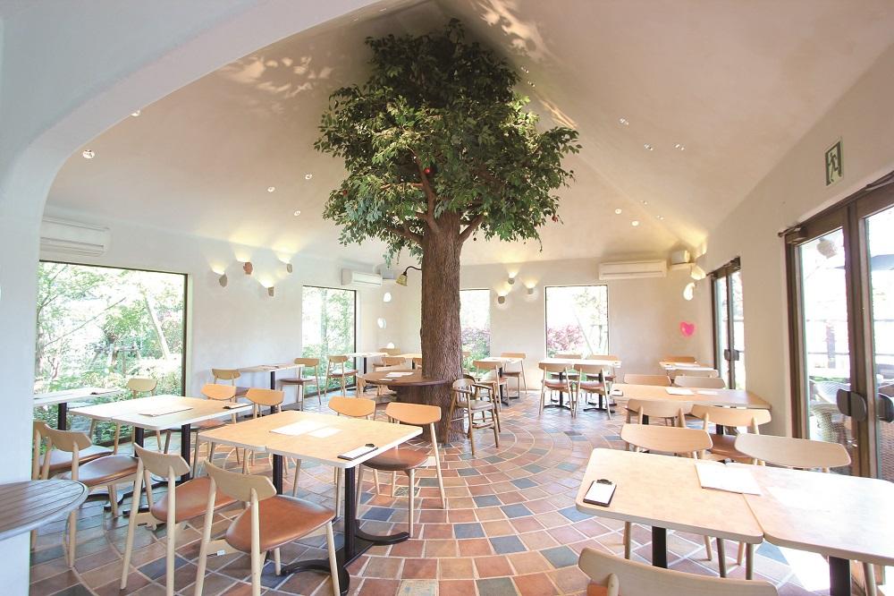 カフェレストラン ラグーナの森