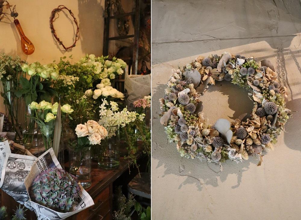 白い切り花と冬イメージのリース