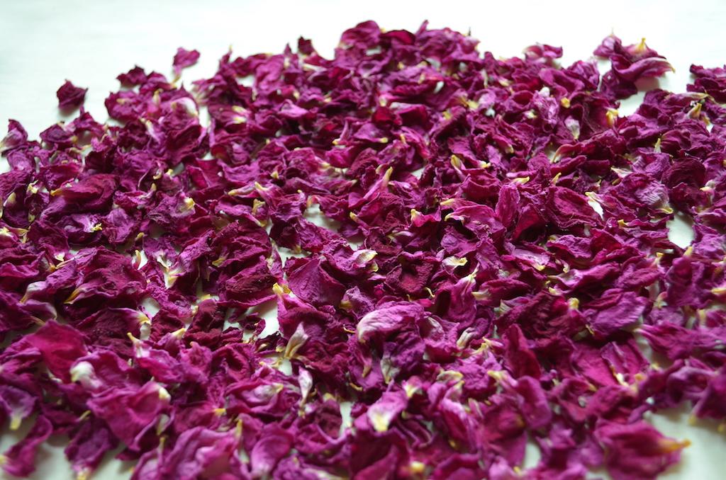 乾燥したバラの花びら
