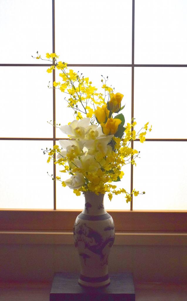 黄色のバラをアレンジ