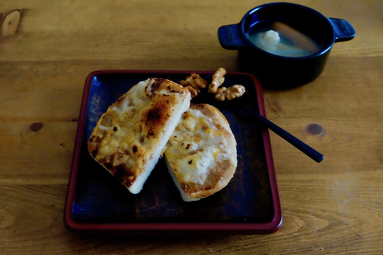 くるみチーズトースト