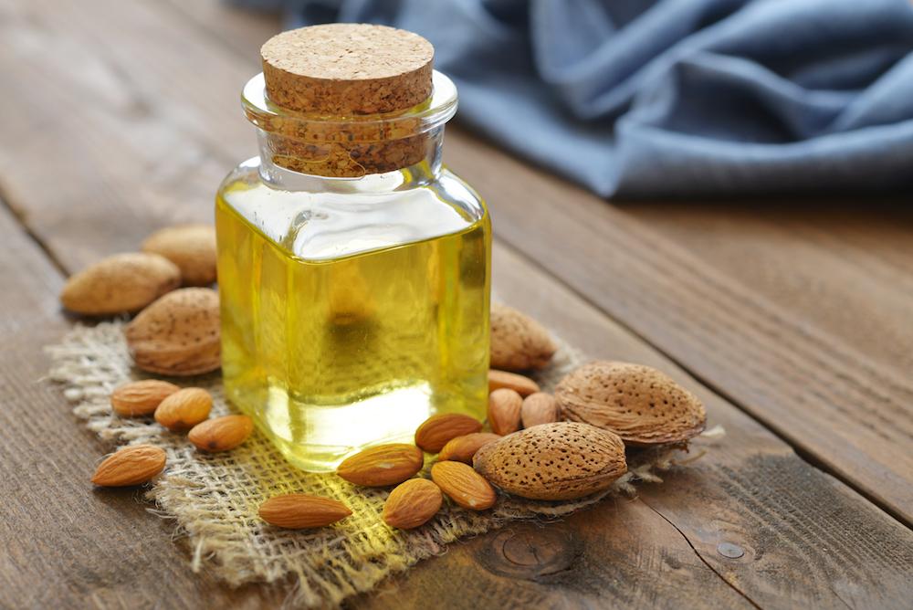 乾燥対策にオススメの植物油-スイートアーモンドオイル