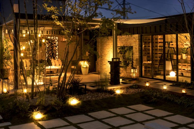 空間をキラッとした光で飾る! 屋外での直接光の効果的な使い方