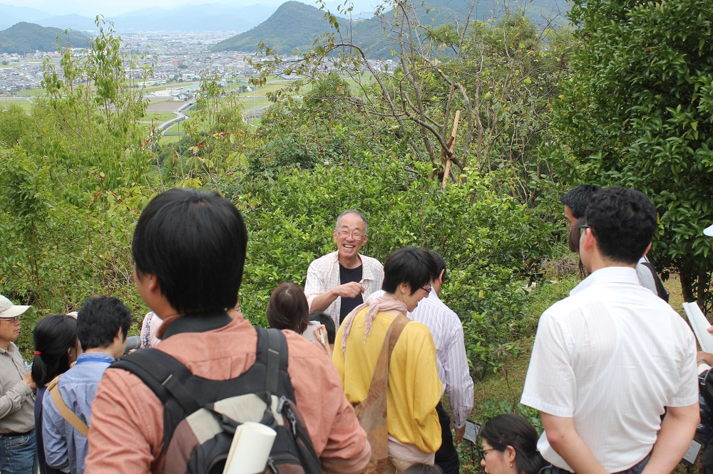 解説とともに巡る「高知県立牧野植物園」ガーデンツアー