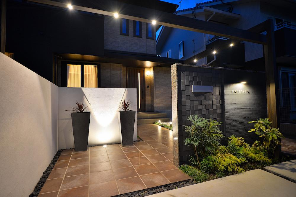 屋外での効果的な光の使い方-上から照らす