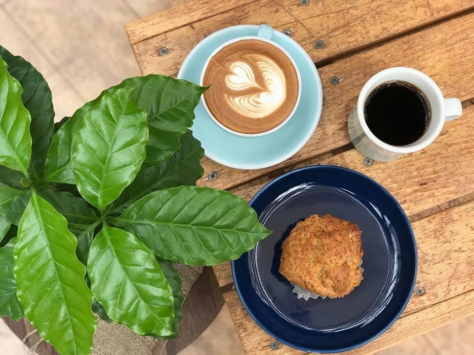 本日のコーヒー カフェラテ スコーン