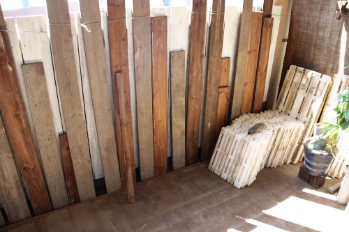 木板でベランダガーデニング