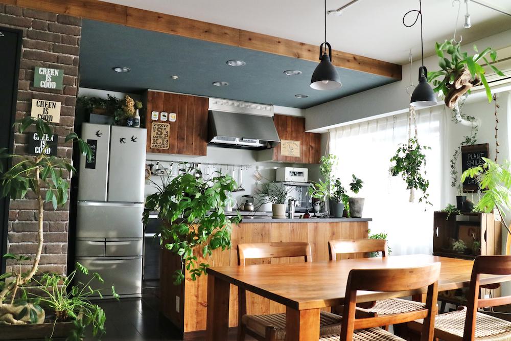 キッチンとダイニングのグリーン