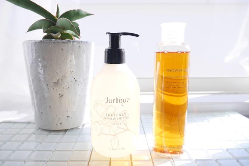 ローズにゼラニウム、イランイラン…植物の芳醇な香りとエキスに癒されるボディソープ3つ