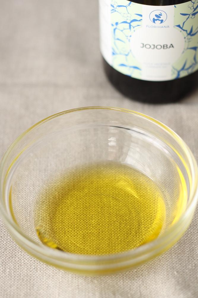 手作りリップクリームの材料1:オイル(植物油)