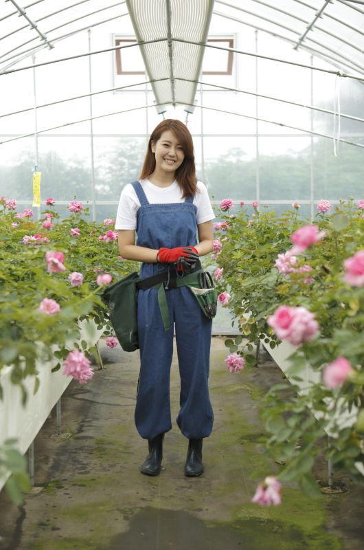 """""""ビニールハウスの中で、土と農薬を一切使用せずに育てる""""という栽培方法"""