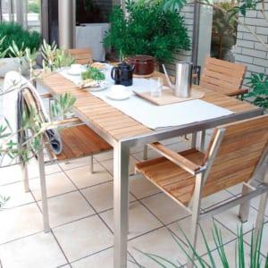 タイルテラスで魅力的な庭を演出! メリットや施工例をご紹介