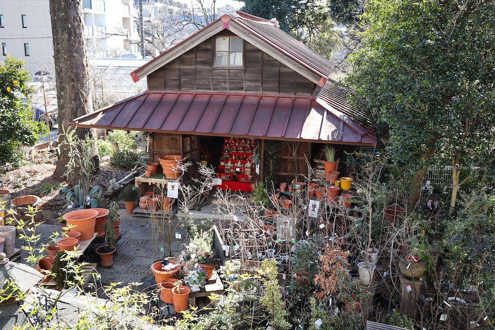 渋谷園芸の納屋