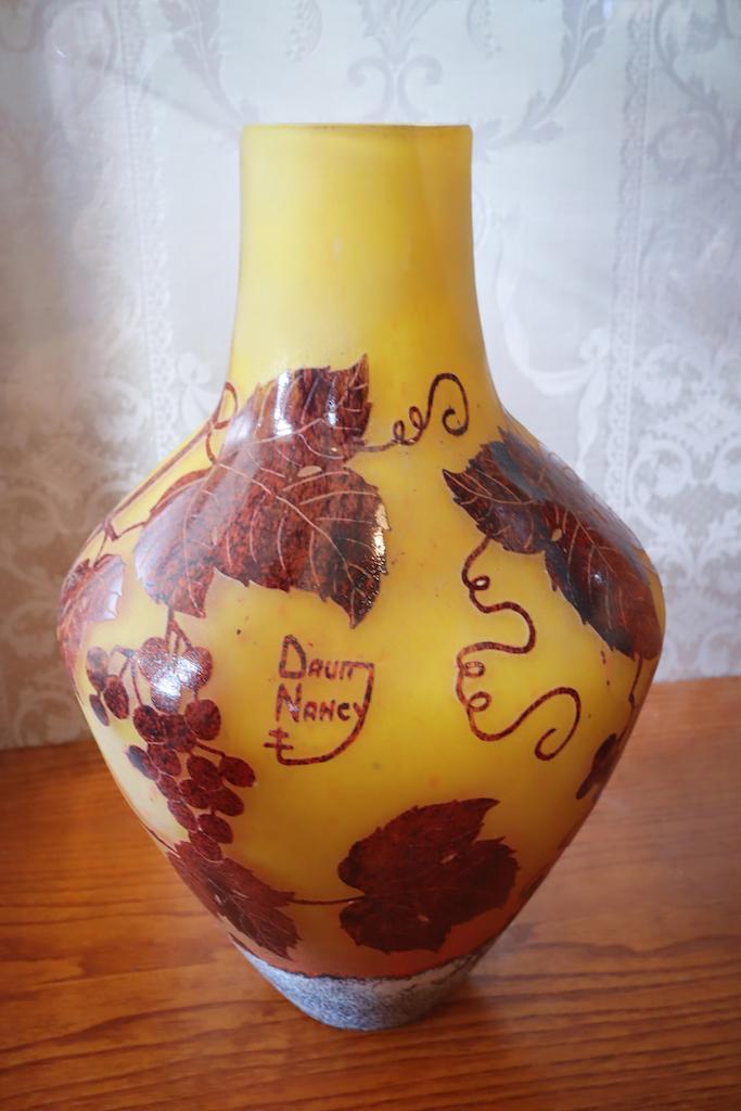 ドーム兄弟の花瓶