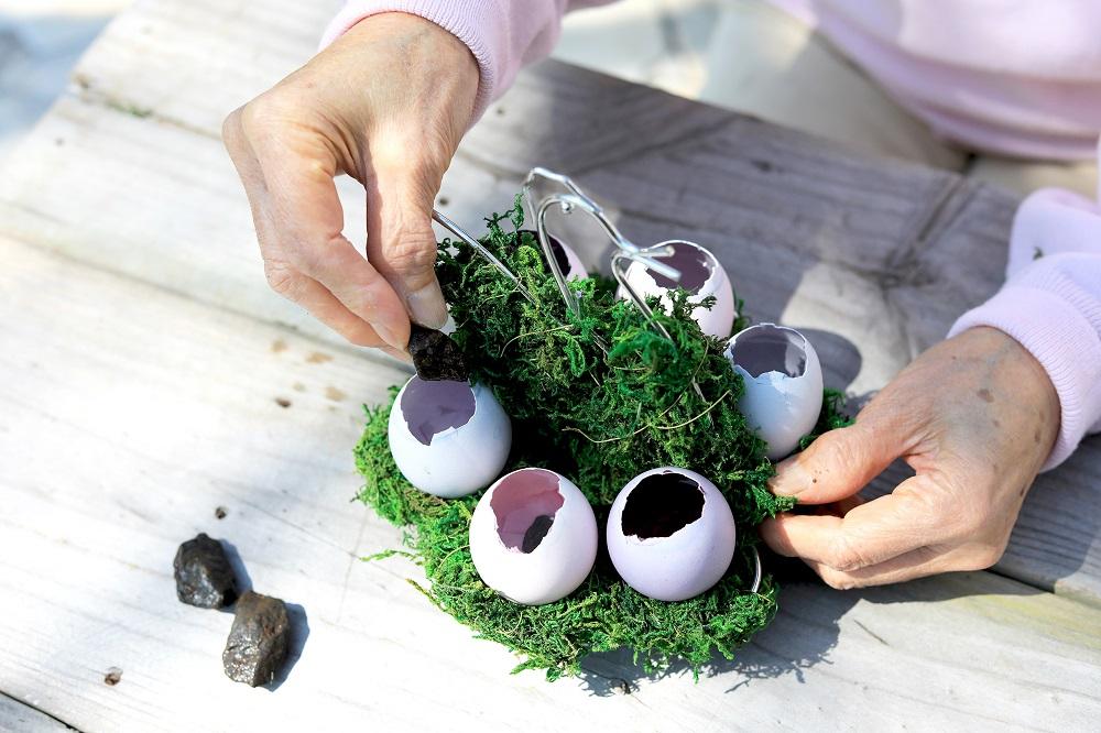 卵に石を入れる