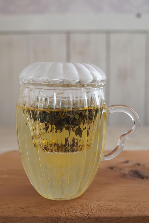 手軽に飲める茶こし機能付きマグカップ