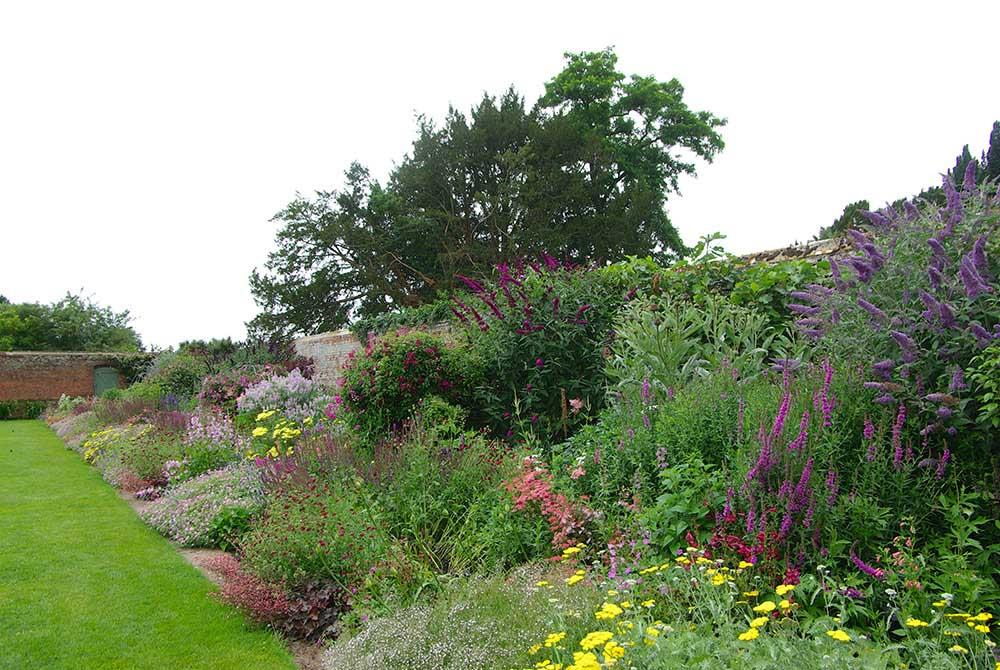 イギリスの宿根草ボーダー