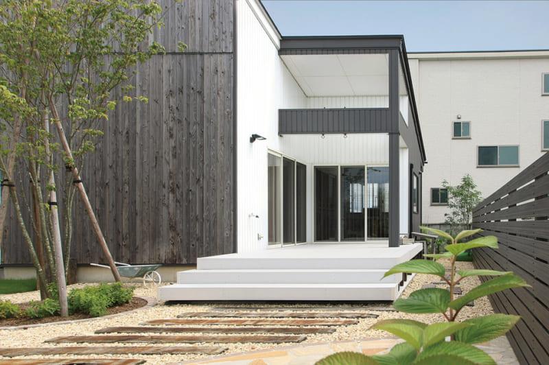モダンデザインのお庭にしたい! 和・洋モダンの特徴や施工事例をご紹介