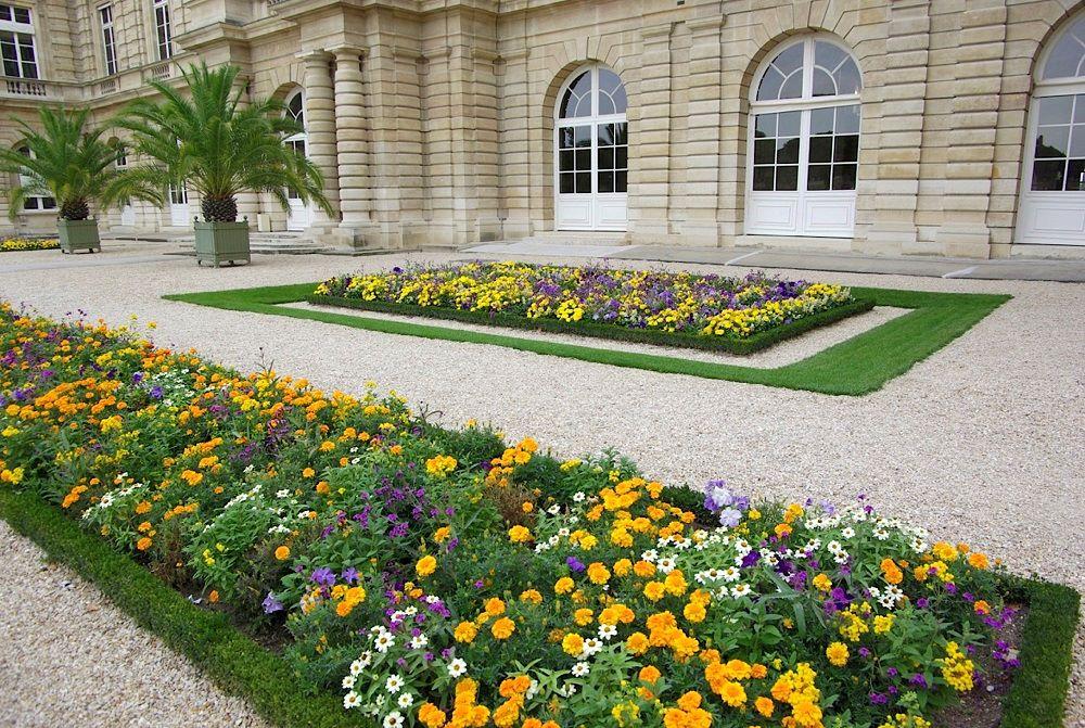フランスの混植花壇