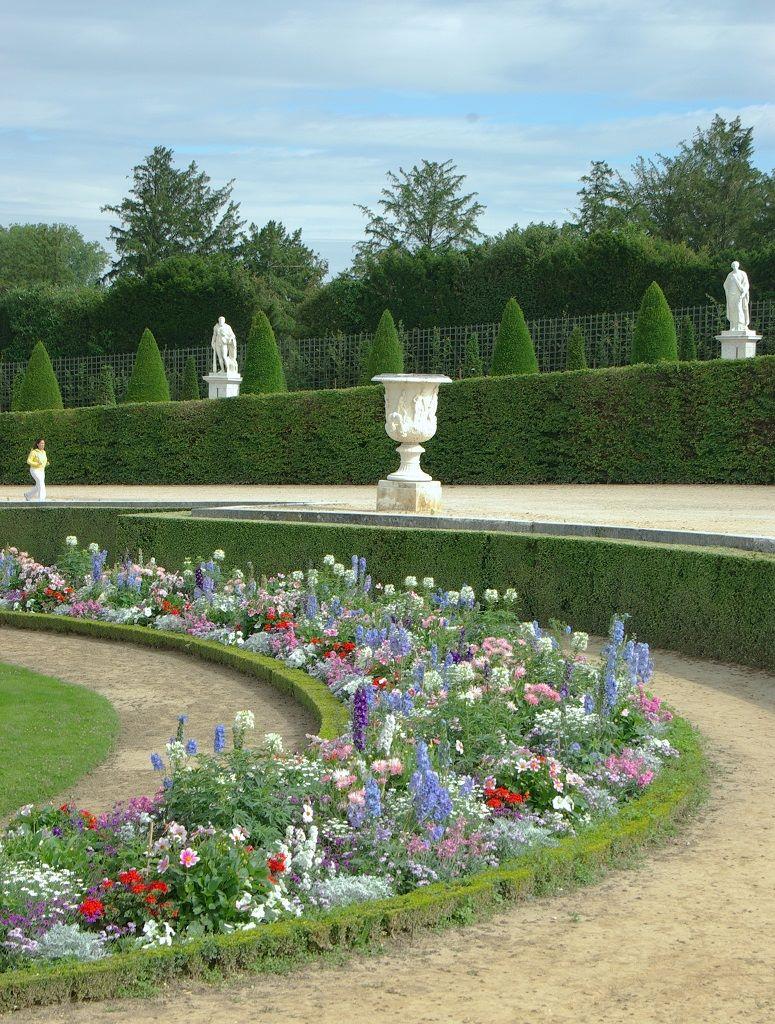 ヴェルサイユ宮殿の花壇