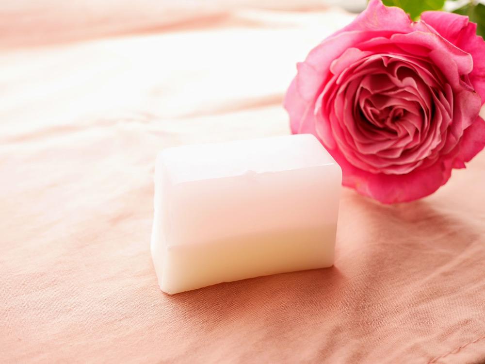 食べられるバラで作ったコスメ 24 ROSE「ナチュラルソープR」
