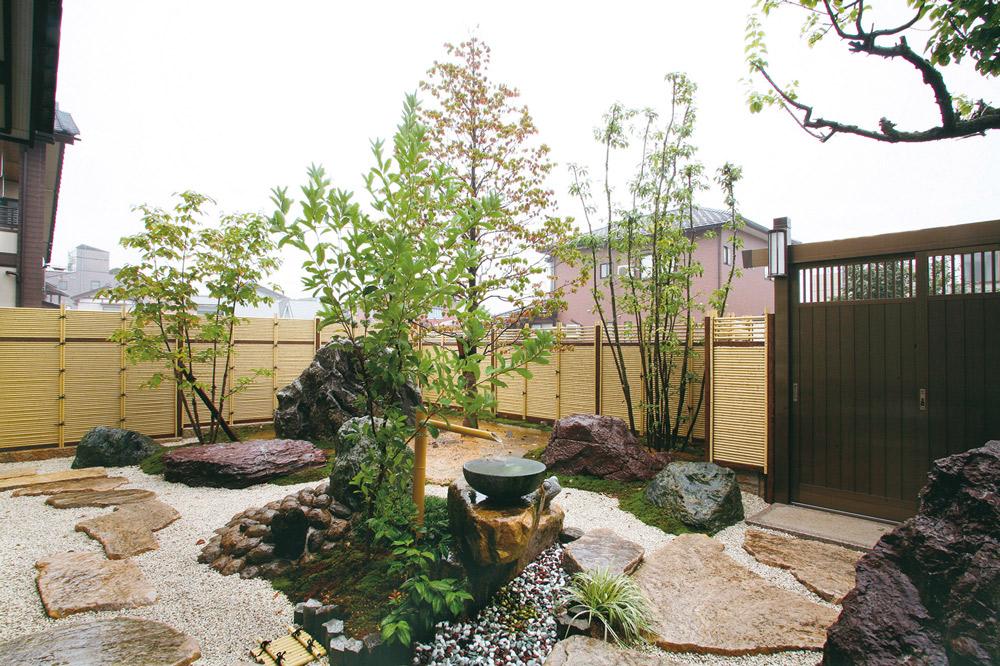 和風の庭をご自宅に!日本庭園の様式や特徴と事例をご紹介