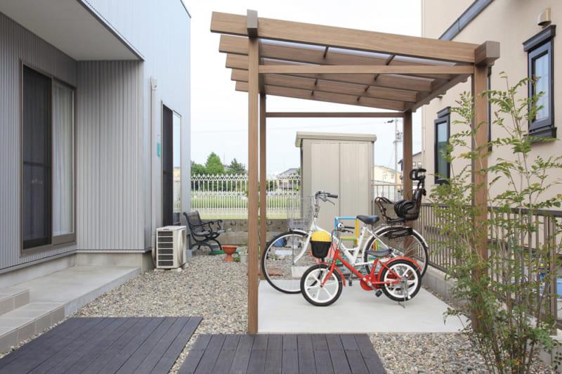 おしゃれなサイクルポートで大切な自転車を守る! サイクルポートのメリットや事例