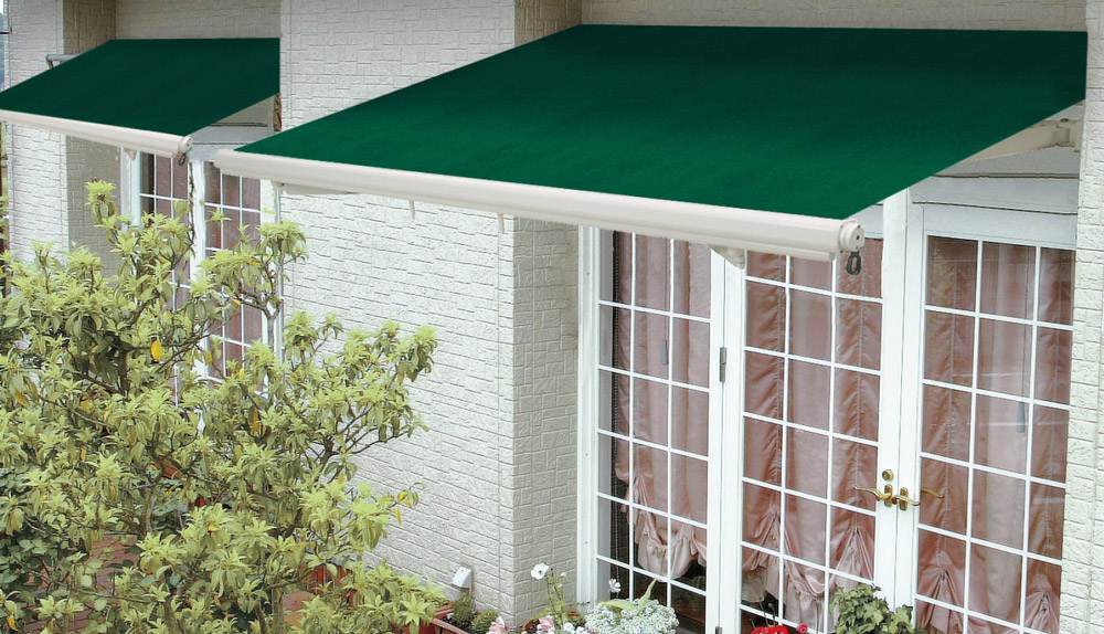 それでは、オーニングやテラス屋根の事例写真をご紹介します。