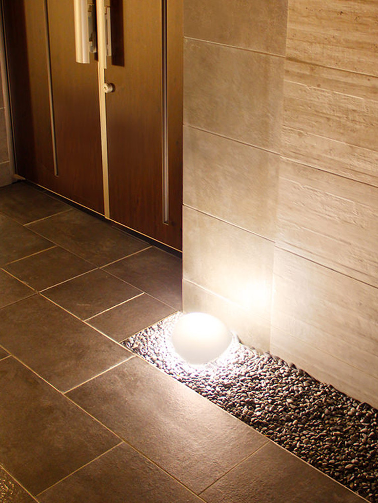石の形で光るライト
