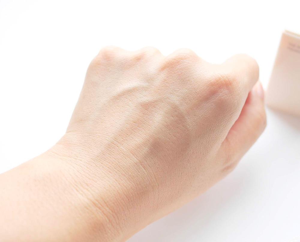 色ムラやくすみのない上質な肌に仕上がります。