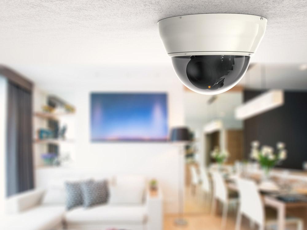 ドーム式の屋内用防犯カメラ