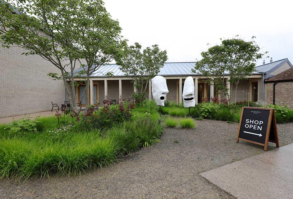 ハウザー&ワース・サマセットの中庭