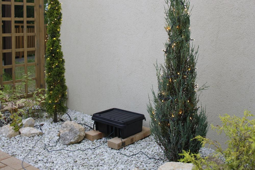 シリコン付きの防雨仕様コンセントボックス