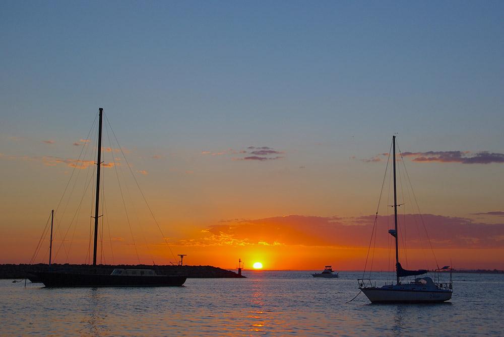 メルボルンの港の夕日