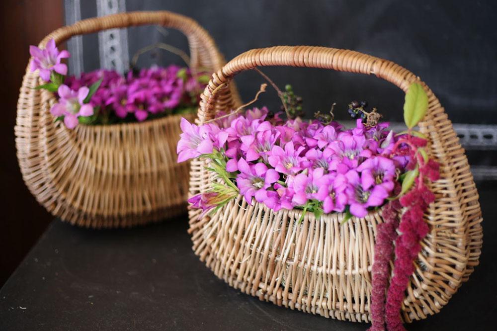 リンドウの花籠