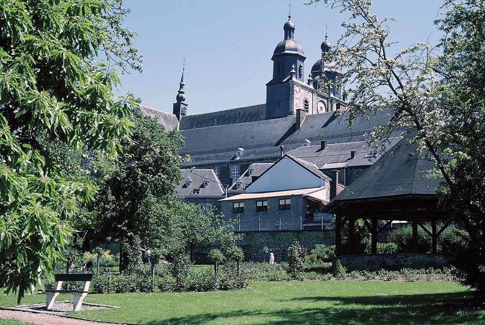 ベネディクト派修道院