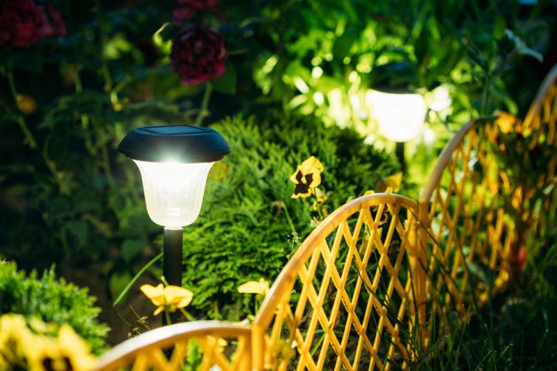 高齢者も安心して楽しめる夜の庭づくり〜照明計画のポイント