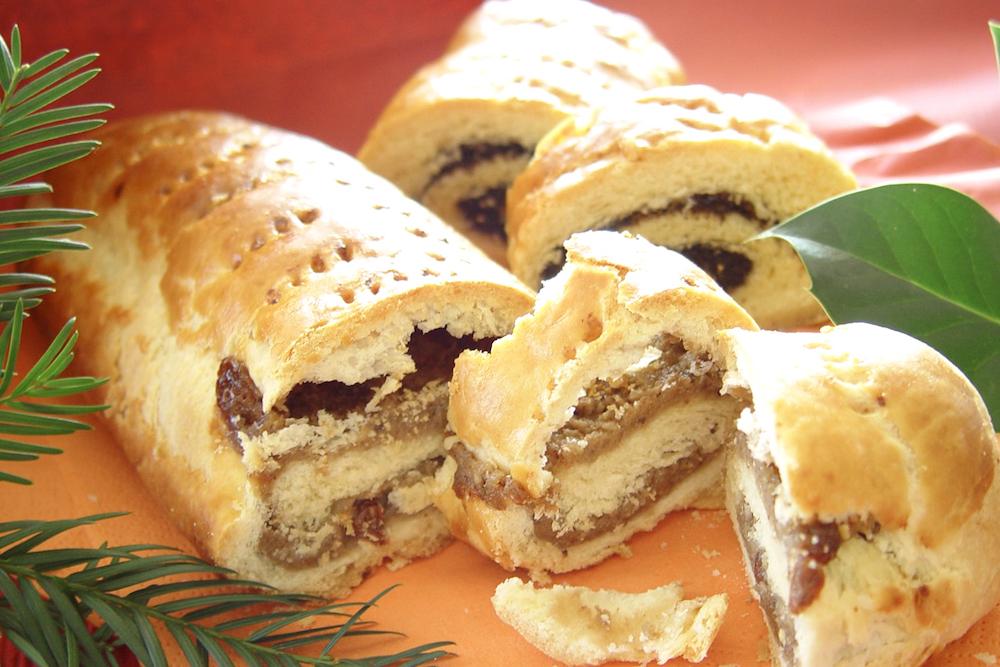 ハンガリーのクリスマス菓子ベイグリ