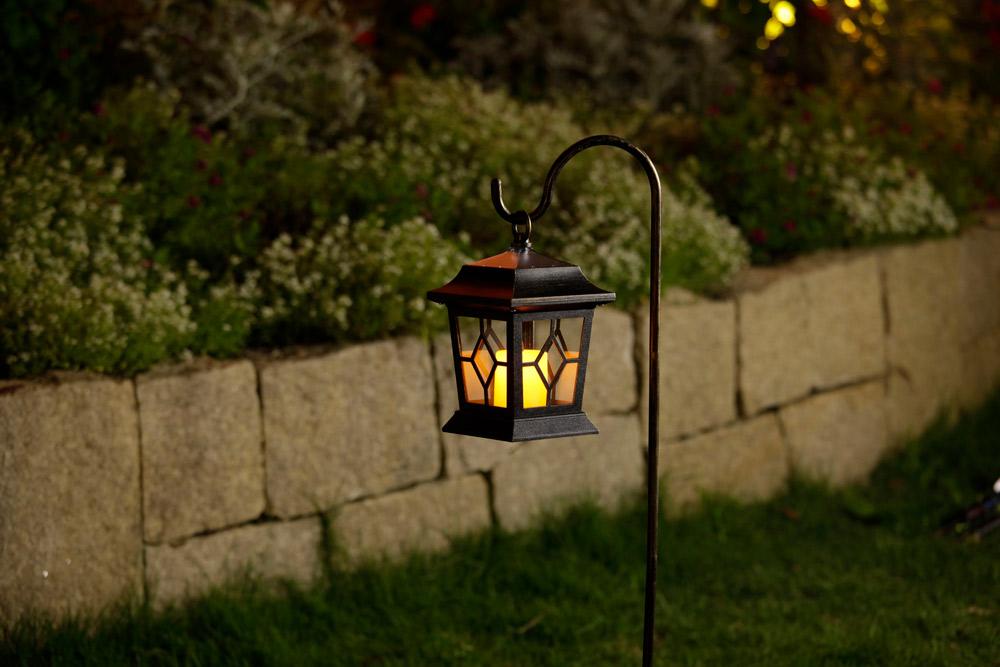 ガーデンライトの種類2:ブラケット型