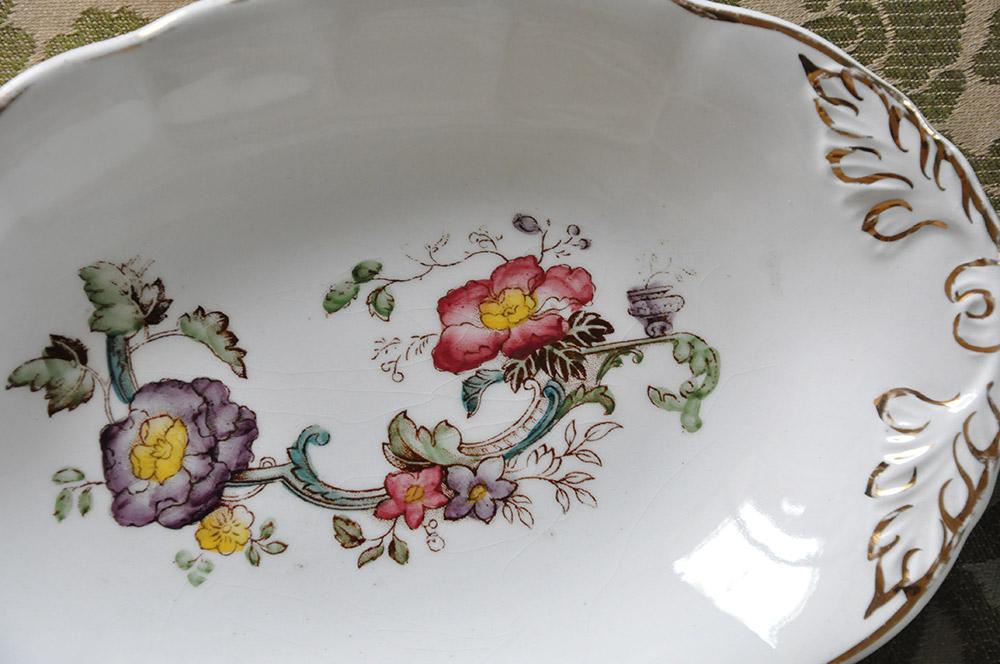 アイアンストーンのオーバル皿