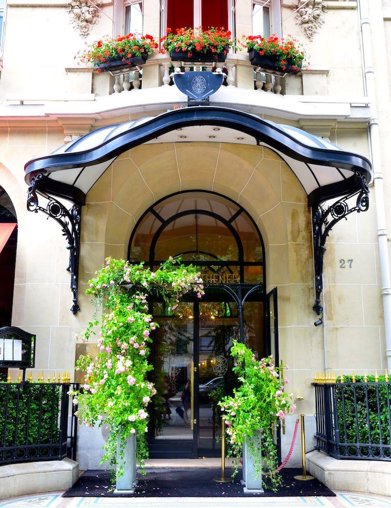 パリ『ホテル・プラザ・アテネ』