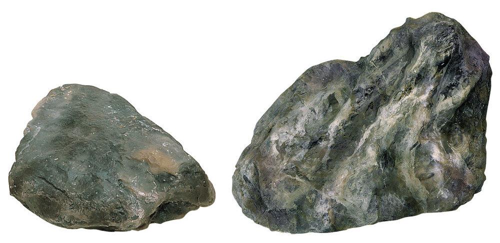 人工石:リアルな表現のFRP製で軽量なので設置がしやすい