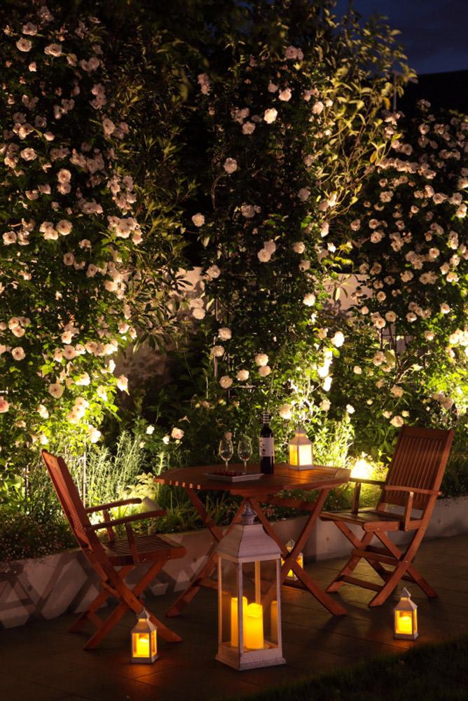 ガーデンオクタゴナルテーブル ガーデンフォールディングアームチェアー 電池式ランタンライトL アンティークホワイト 電池式ランタンライトS アンティークホワイト